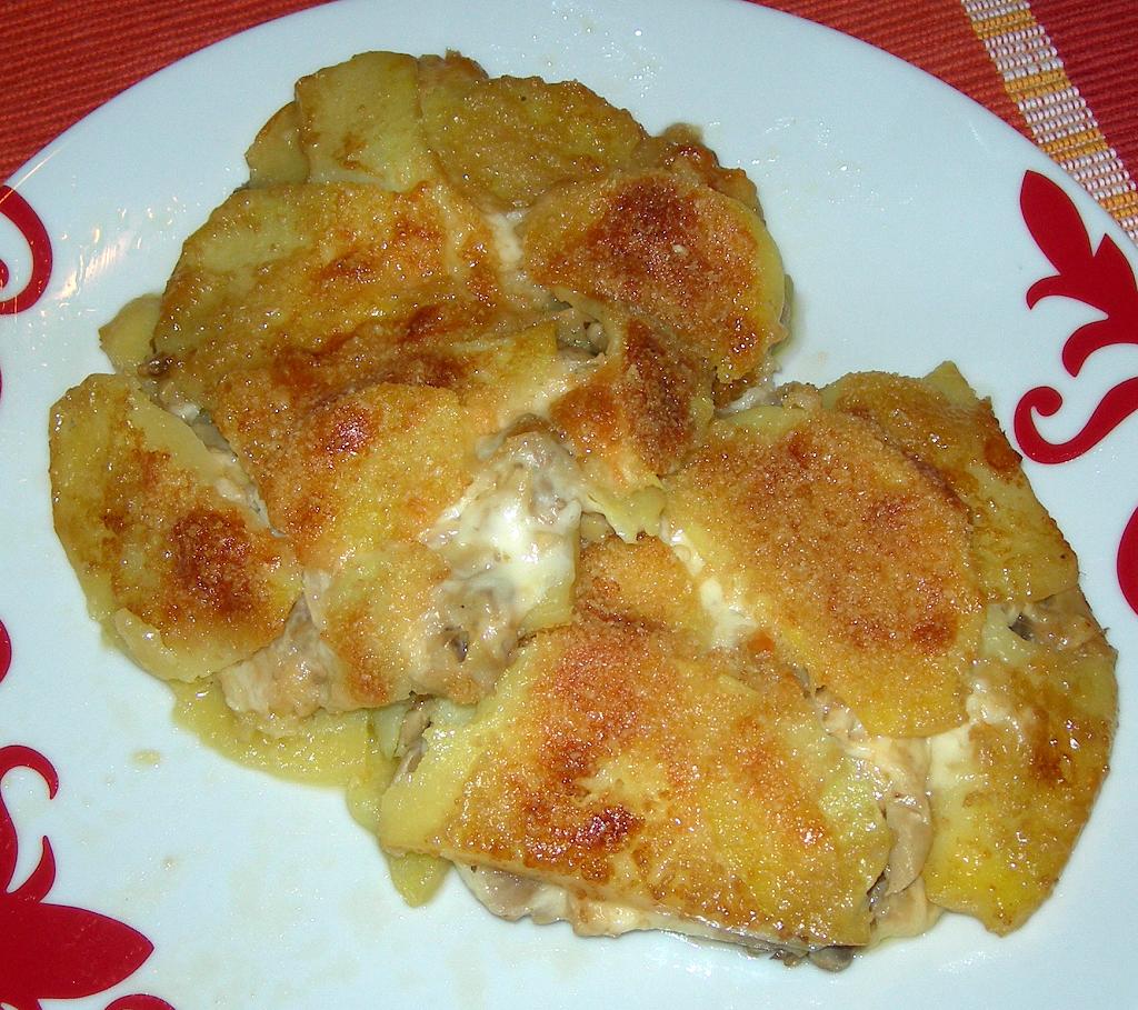 Plans di funghi, cotto e patate al formaggio
