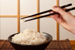 Bacchette orientali per il cibo come si utilizzano in for Piatto tipico cinese