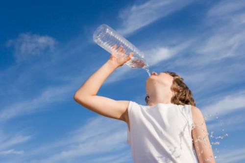 Bambini e sport: quanto dovrebbero bere?