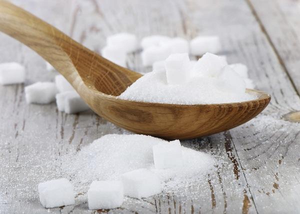 Lo zucchero bianco fa veramente male?