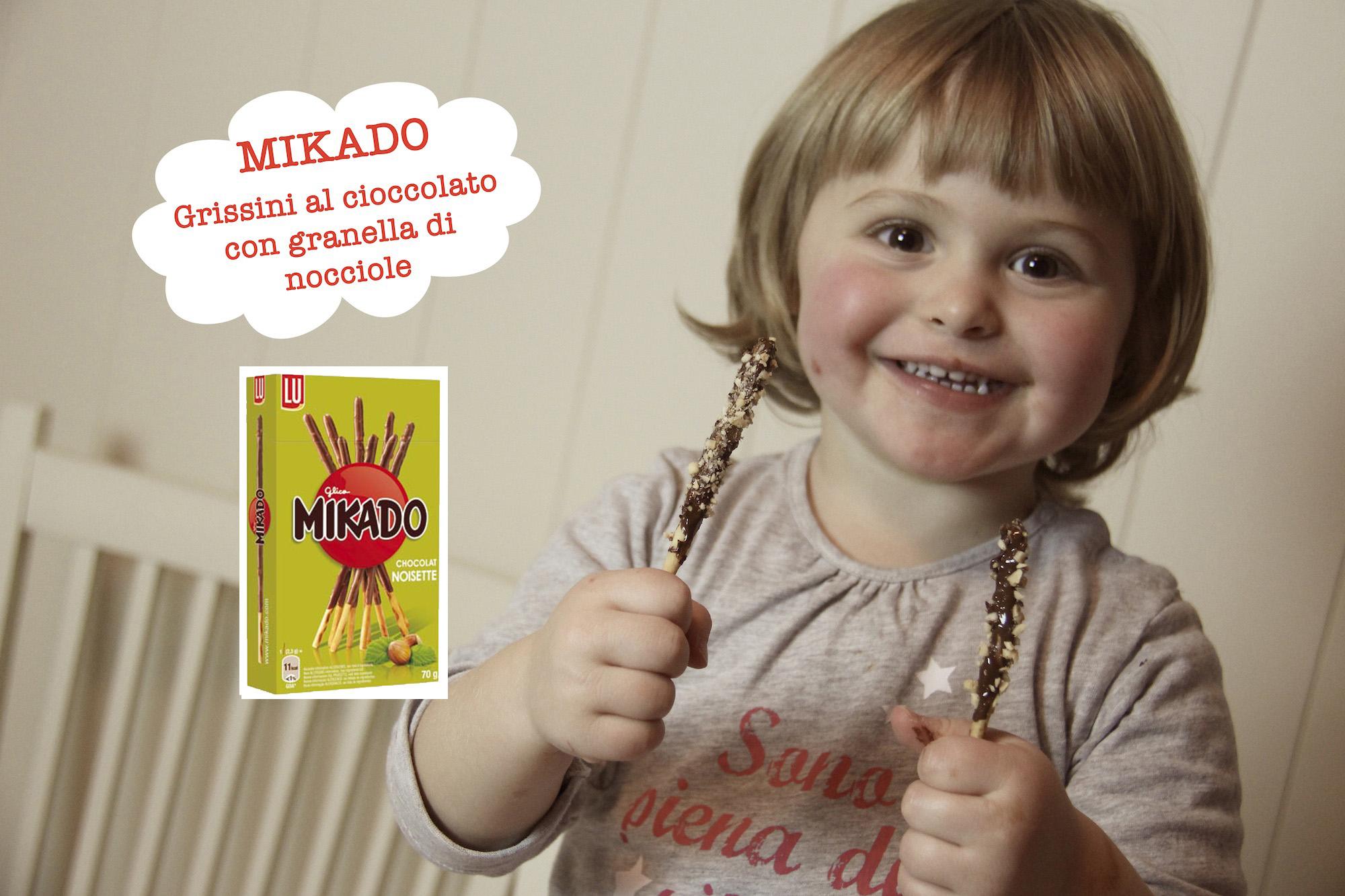 Mikado, grissini ricoperti di cioccolato e granella di nocciole
