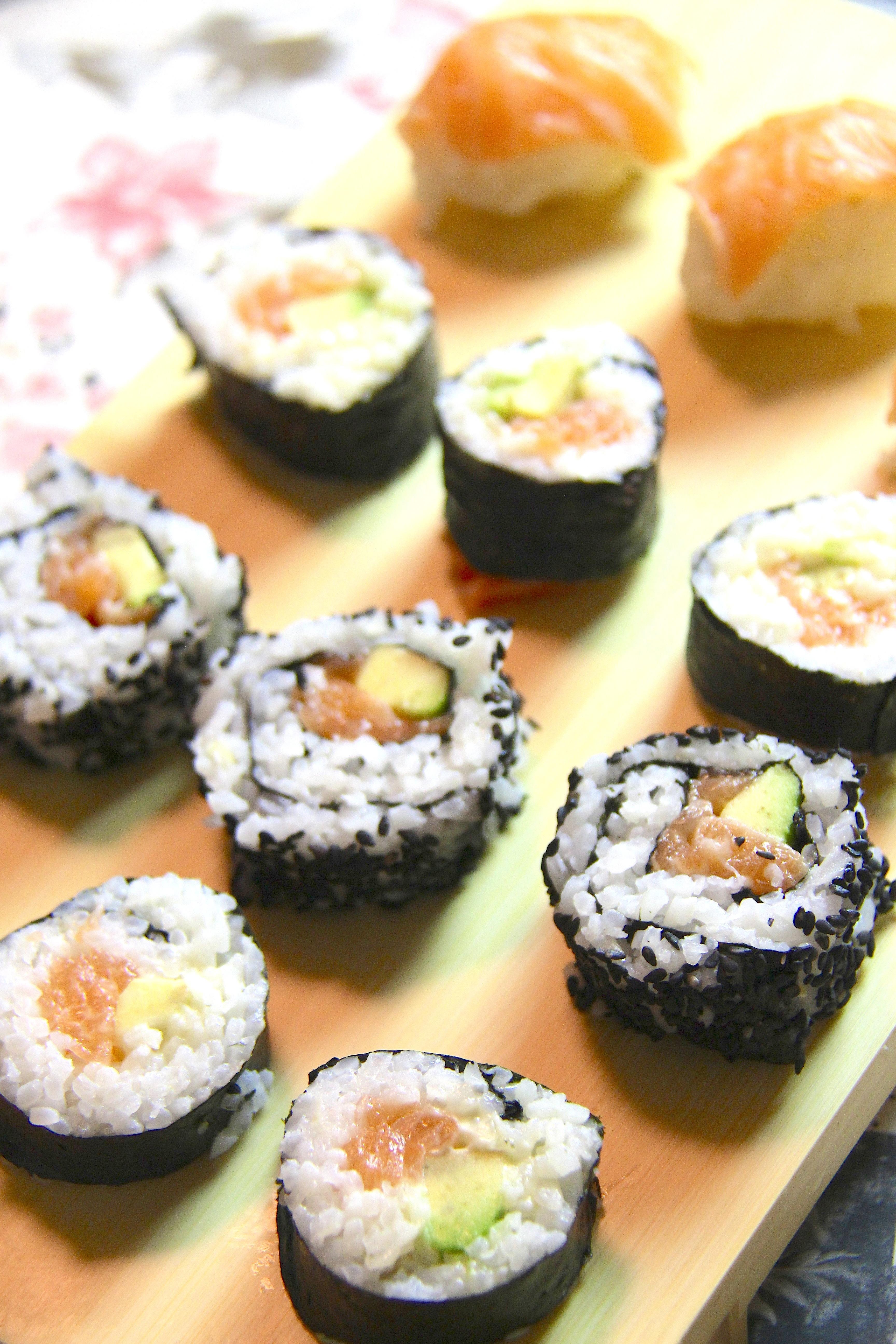 Sushi Homemade: Uramaki, Futomaki e Nigiri