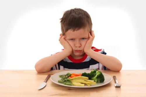 Cosa fare se i bambini non mangiano