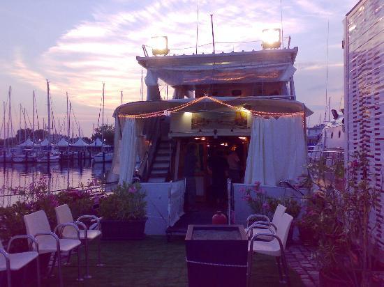 Recensione del WindTour, il Ristorante in barca, con Poinx