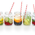 Acqua Detox alla frutta, il Must Have dell'Estate