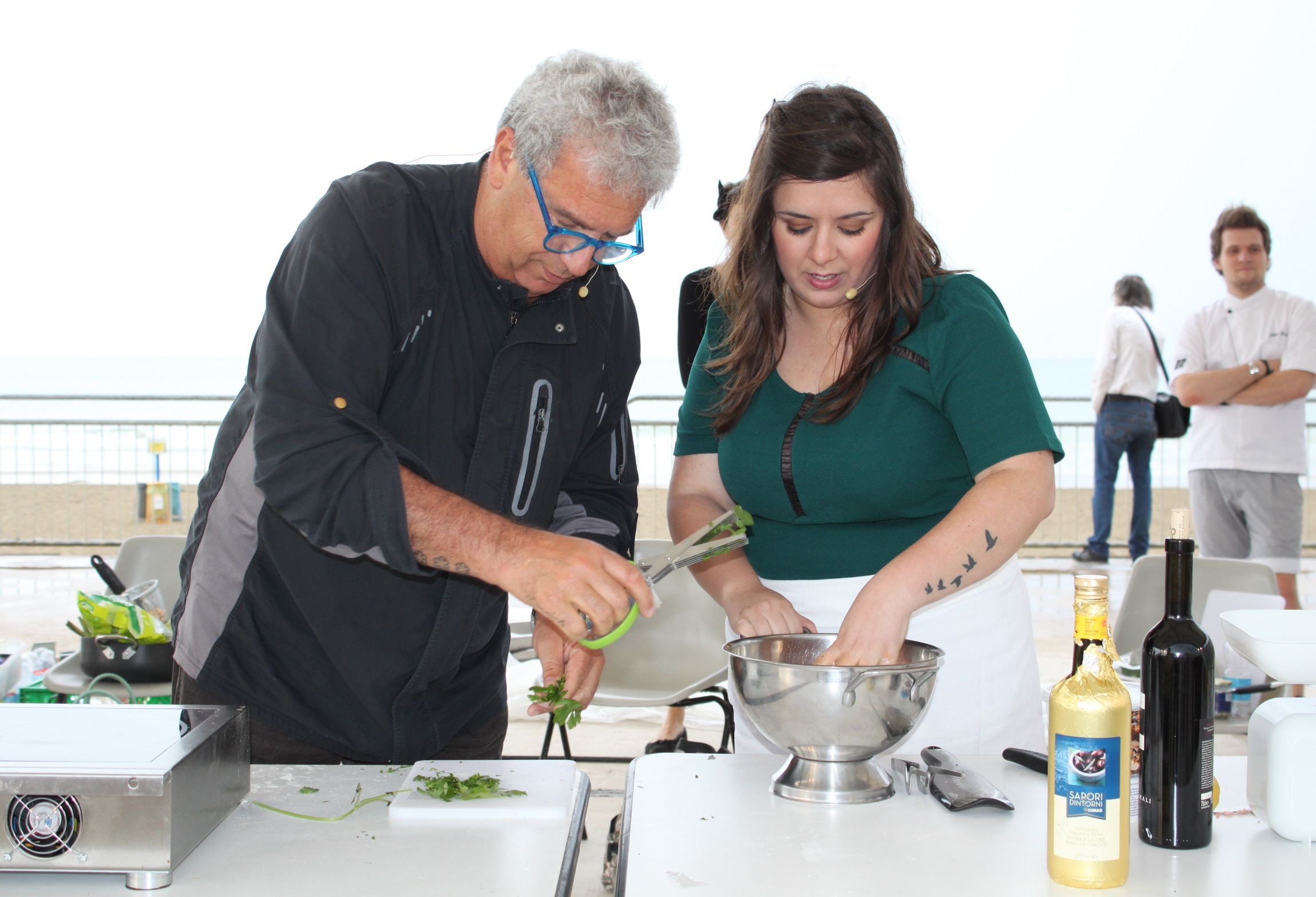 Polpette fritte in salsa tahina realizzate da Claudia Annie ed Igles Corelli