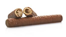 Sigari di wafer al cioccolato ripieni di nocciola e caramello