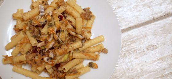 PASTA CON LE SARDE e finocchietto selvatico   ricetta siciliana facilissima