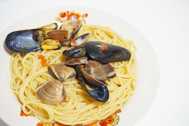 SPAGHETTI ALLO SCOGLIO | cozze e vongole | ricetta pugliese facile