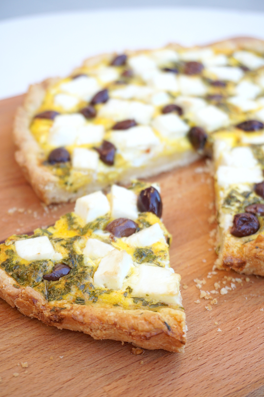 CROSTATA SALATA CON FETA E OLIVE | vegetariana, facile e gustosa